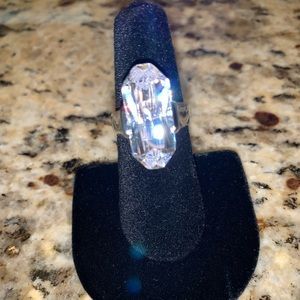 Gorgeous Clear Crystal Silver Tone Ring Size 6